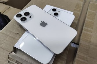 Dummy iPhone 13 models as seen on Chinese social media.